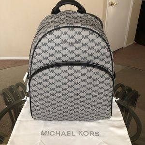 🆕 Michael Kors Large Backpack